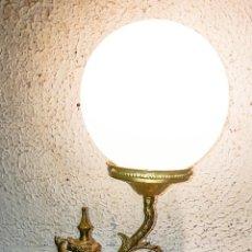 Vintage: LAMPARA SOBREMESA EN BRONCE VINTAGE. Lote 137687046