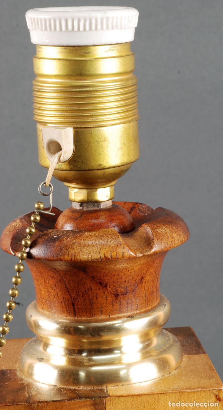 Vintage: Lampara de mesa en madera tablero y piezas de ajedrez años 70 - Foto 4 - 142133702
