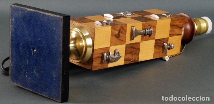 Vintage: Lampara de mesa en madera tablero y piezas de ajedrez años 70 - Foto 9 - 142133702