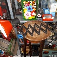 Vintage: FLEXO FASE MODELO ACORDEON COLOR ROJO FUNCIONANDO. Lote 143039046