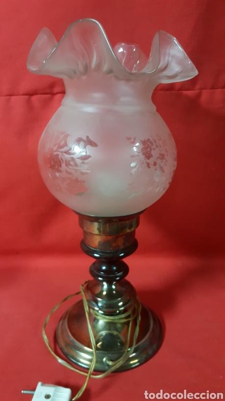 LÁMPARA DE SOBREMESA CON TULIPA (Vintage - Lámparas, Apliques, Candelabros y Faroles)