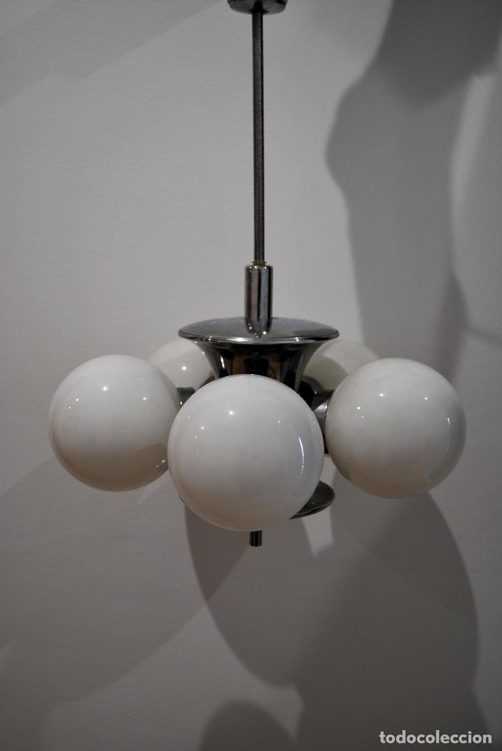 Vintage: Lámpara de techo vintage space age años 60 70 metal cromado y opalina - Foto 2 - 146740354