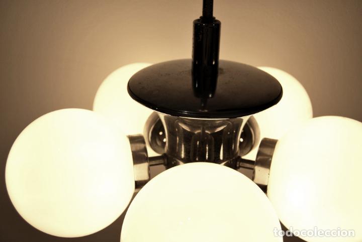 Vintage: Lámpara de techo vintage space age años 60 70 metal cromado y opalina - Foto 8 - 146740354