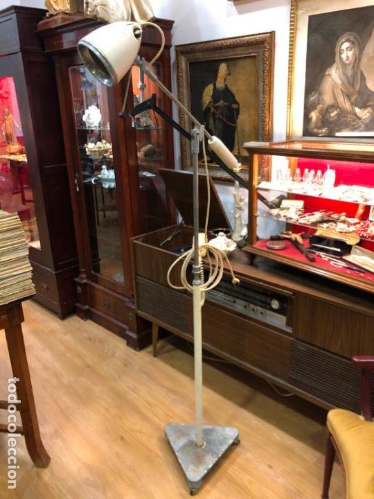 LAMPARA DE PIE DE MEDICINA MEDICO - VINTAGE (Vintage - Lámparas, Apliques, Candelabros y Faroles)