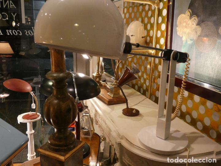 Vintage: Barcelona.Lampara de Tramo en blanco y cromado. bien conservada Miguel Mila - Foto 4 - 148302370
