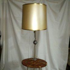 Vintage: LAMPARA DE PIE VINTAGE CON MESITA TELEFONERA O AUXILIAR. Lote 148659984