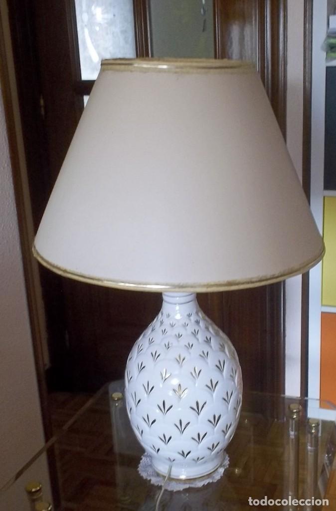 Vintage: LAMPARA SOBREMESA--PIE PORCELANA CON DORADO-PINTADA A MANO-AÑO 80 - Foto 3 - 148704586