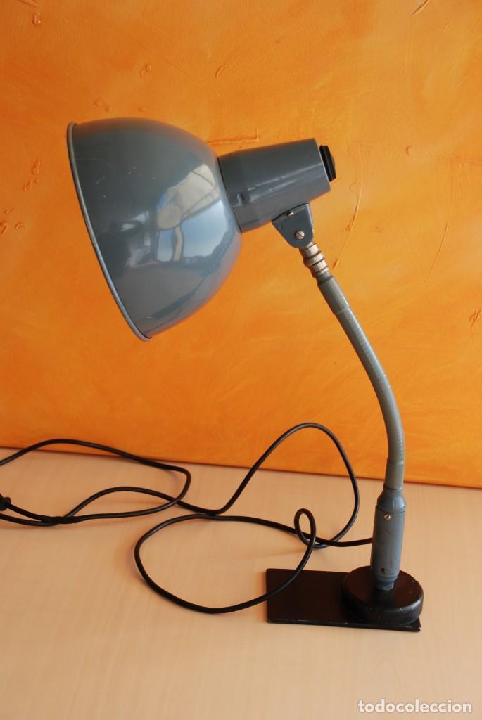 ANTIGUA LAMPARA FLEXO INDUSTRIAL (Vintage - Lámparas, Apliques, Candelabros y Faroles)