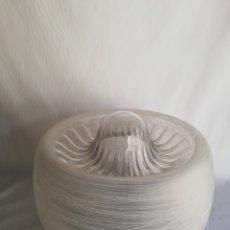 Vintage: GRAN ANTIGUA LAMPARA PLAFON EN CRISTAL SOPLADO Y TALLADO MURANO Y METAL CROMADO VINTAGE AÑOS 60. Lote 152160704