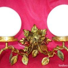 Vintage: PRECIOSO APLIQUE EN FORJA DORADA HIERRO AL PAN DE ORO Y ROSAS MIDCENTURY LAMPAR ANTIGUA . Lote 155249658