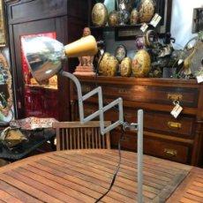 Vintage: FANTASTICA LAMPARA DE MESA EXTENSIBLE - VINTAGE - INDUSTRIAL. Lote 155823806