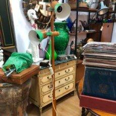 Vintage: LAMPARA DE PIE VINTAGE EN MADERA Y METAL - MEDIDA 155 CM. Lote 155825438