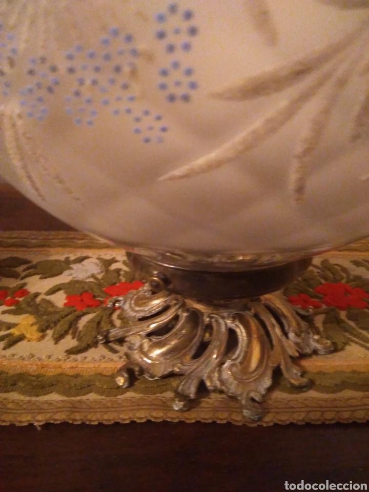 Vintage: Lampara globo Vintage con embellecedor de bronce - Foto 3 - 155875410