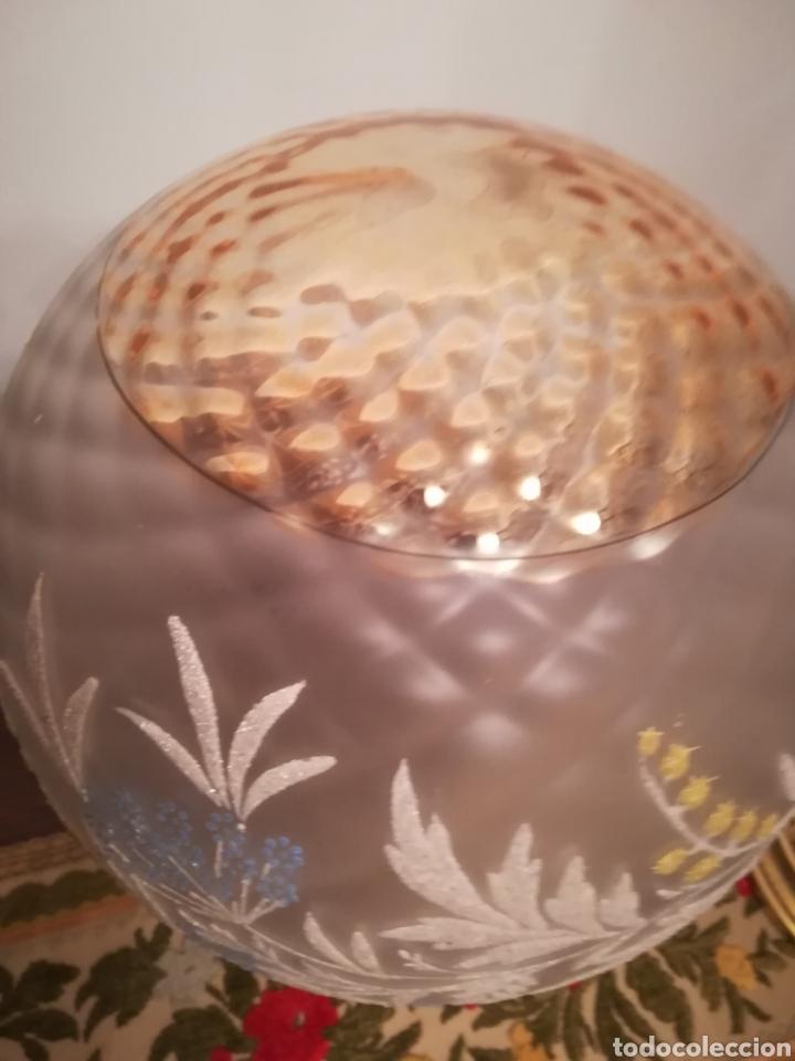 Vintage: Lampara globo Vintage con embellecedor de bronce - Foto 4 - 155875410
