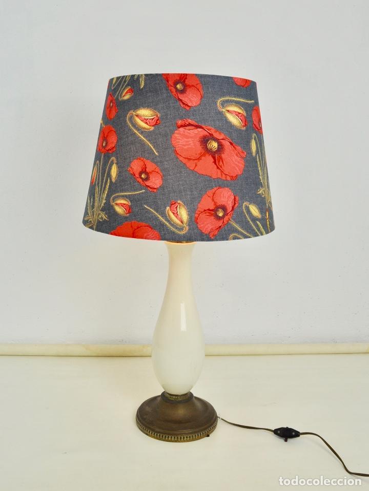 LÁMPARA SOBREMESA PIE DE PORCELANA (Vintage - Lámparas, Apliques, Candelabros y Faroles)