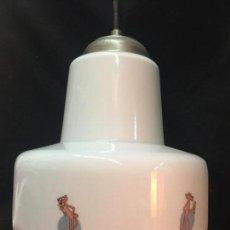 Vintage: ENCANTADORA LAMPARA VINTAGE EN OPALINA SERIGRAFIADA CON IMAGENES DE LA PANTERA ROSA. Lote 159581994