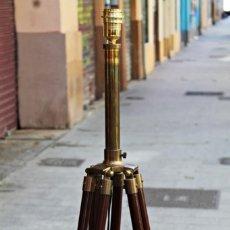 Vintage: TRÍPODE - LAMPARA DE PIE SUELO VINTAGE. Lote 159678742