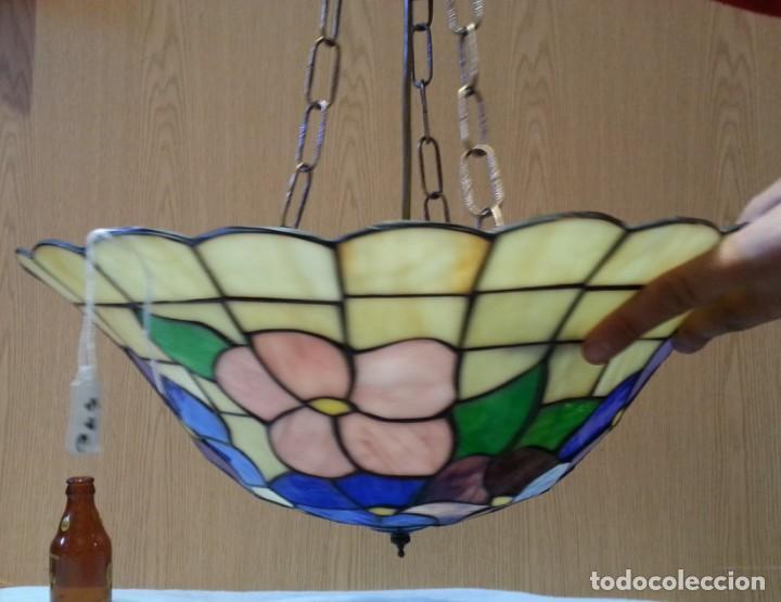 LÁMPARA DE TECHO ESTILO TIFFANY. AÑOS 90. BUEN ESTADO GENERAL. (Vintage - Lámparas, Apliques, Candelabros y Faroles)