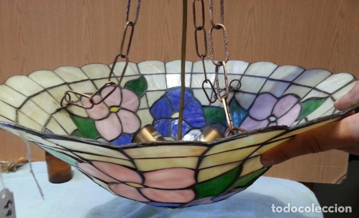 Vintage: Lámpara de techo estilo Tiffany. Años 90. Buen estado general. - Foto 2 - 161790954