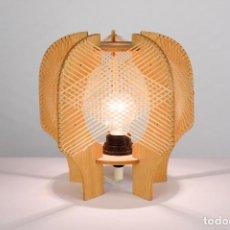 Vintage: LAMPARA SOBREMESA MADERA RAFIA ESTILO NORDICO AÑOS 70 VINTAGE. Lote 162285030