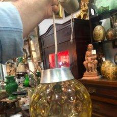 Vintage: PRECIOSA LAMPARA CON GRAN TULIPA DE CRISTAL CON MEDIDA 24X22 CM - VINTAGE. Lote 162668354