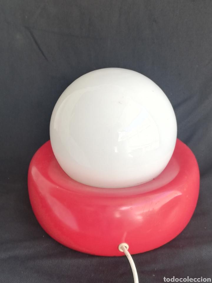 Vintage: Lampara retro pop de mesa rojo y blanco opalina y metal vintage-iluminacion años 70 - Foto 5 - 163999252