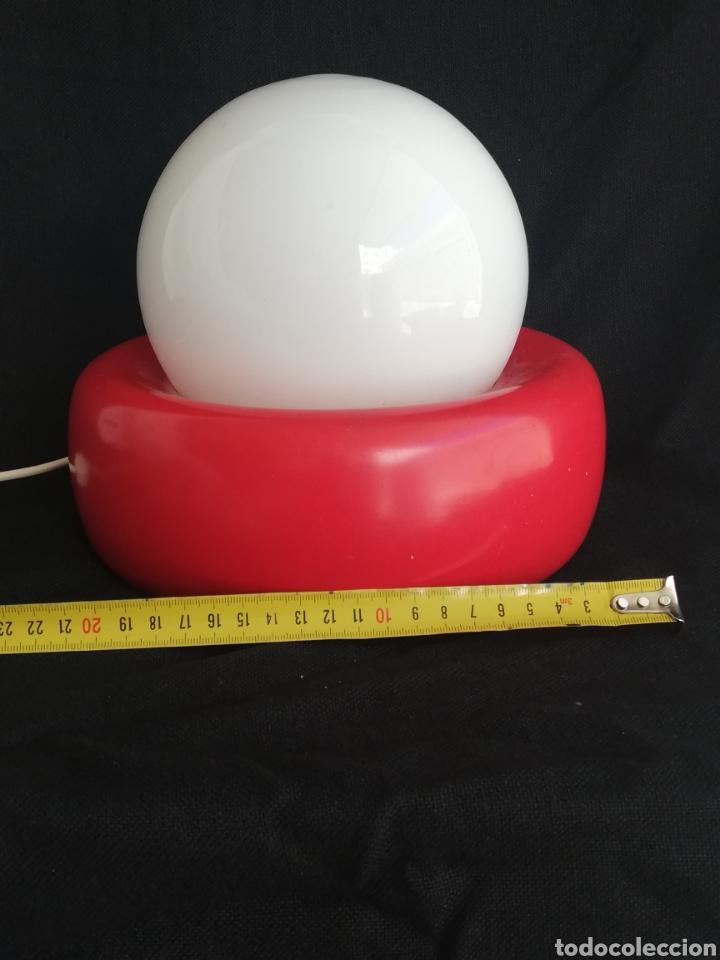 Vintage: Lampara retro pop de mesa rojo y blanco opalina y metal vintage-iluminacion años 70 - Foto 6 - 163999252