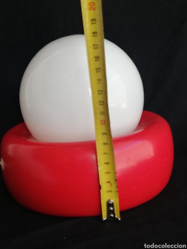 Vintage: Lampara retro pop de mesa rojo y blanco opalina y metal vintage-iluminacion años 70 - Foto 7 - 163999252