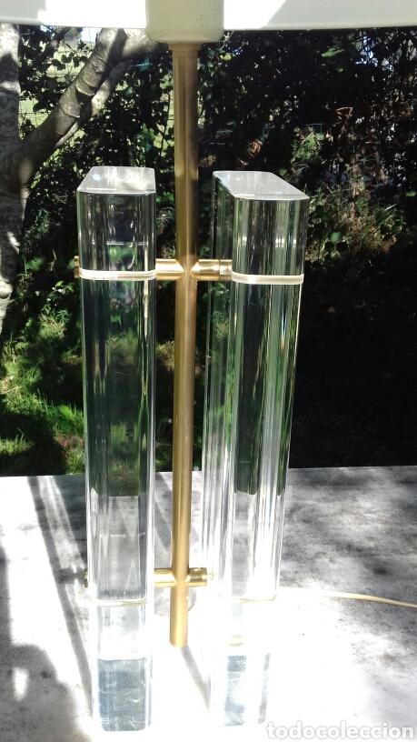 Vintage: LAMPARA DE SOBREMESA DE METACRILATO Y METAL DORADO - AÑOS 70-80 - Foto 4 - 168639450
