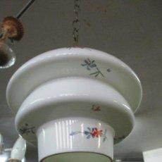 Vintage: LAMPARA DE TECHO - BONITA TULIPA DE CRISTAL, DECORADA CON FLORES - CON CADENA. Lote 169675532