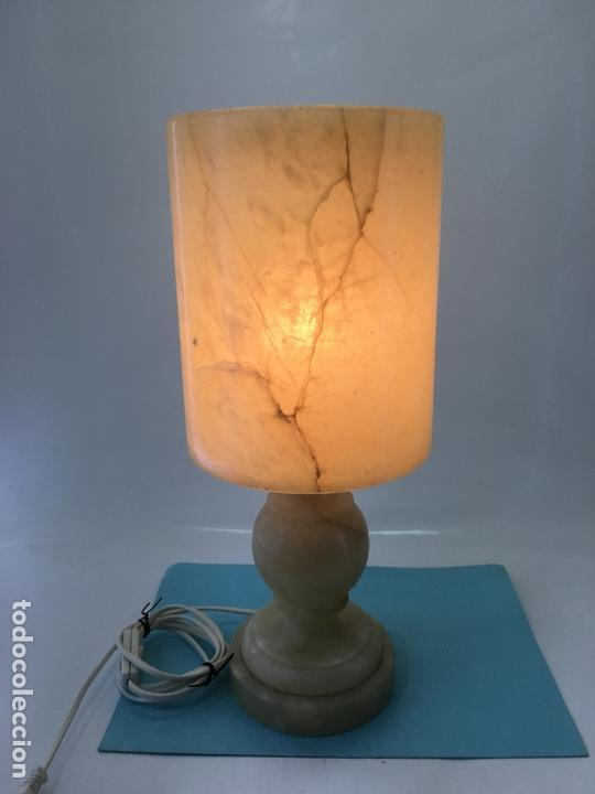 Vintage: LAMPARA DE ALABASTRO PARA SOBRE-MESA, EN FORMA DE COPA, DECORACION EL BETEADO DEL ALABASTRO - Foto 12 - 170868075