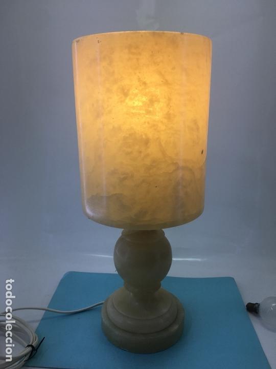 Vintage: LAMPARA DE ALABASTRO PARA SOBRE-MESA, EN FORMA DE COPA, DECORACION EL BETEADO DEL ALABASTRO - Foto 14 - 170868075