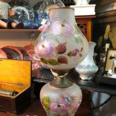Vintage: PRECIOSA LAMPARA DE CRISTAL Y PINTADA A MANO CON MOTIVOS FLORALES - MEDIDA 48,5 - VINTAGE. Lote 204745856