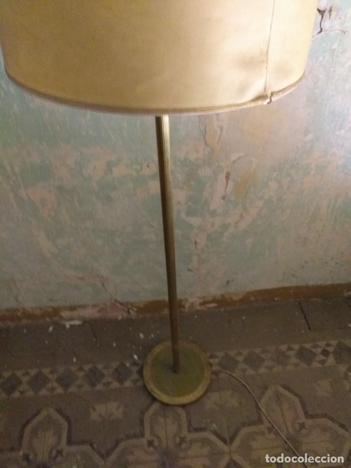 Vintage: Lámpara de pie vintage de latón - Foto 2 - 171094670