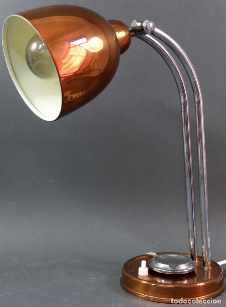 Vintage: Lámpara flexo de sobremesa con cenicero en latón graduable años 60 funciona - Foto 2 - 172060625