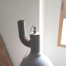 Vintage: ANTIGUA LAMPARA/FOCO INDUSTRIAL CON DIFUSOR DE CALOR. Lote 173503770