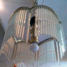 Vintage: LAMPARA DE TECHO. LATÓN Y LAGRIMAS DE CRTISTAL, ESTILO VINTAGE. Lote 175639250
