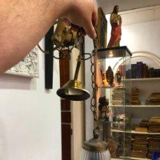 Vintage: BONITA LAMPARA AÑOS 70 CON TULIPA EN FORMA DE FLOR - MEDIDA TULIPA 15X14 CM. Lote 175696832