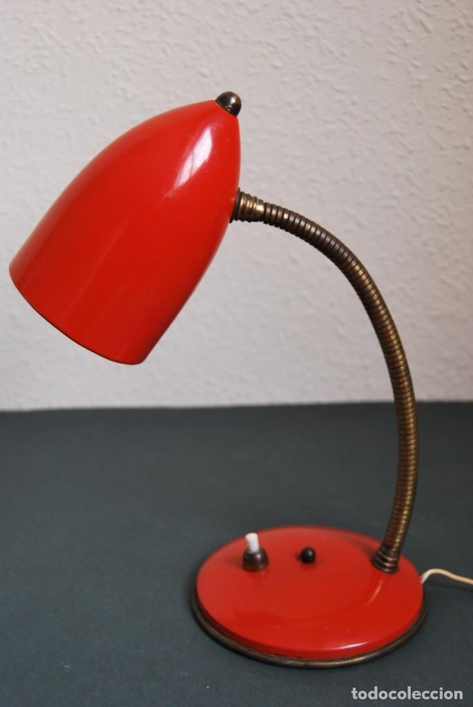 LÁMPARA DE SOBREMESA - FLEXO - FOCO - ROJO - T (Vintage - Lámparas, Apliques, Candelabros y Faroles)