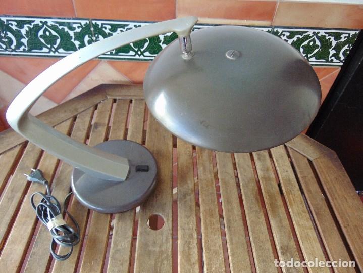 LAMPARA DE SOBREMESA DE LA MARCA FASE CON DIFUSOR NO ORIGINAL (Vintage - Lámparas, Apliques, Candelabros y Faroles)