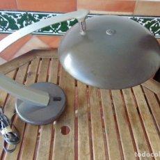Vintage: LAMPARA DE SOBREMESA DE LA MARCA FASE CON DIFUSOR NO ORIGINAL. Lote 176112420