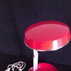 Vintage: LAMPARA PLEGABLE – REDONDA Y ROJA. Lote 176439780