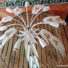 Vintage: GRAN LAMPARA DE TECHO TIPO HOJAS EN METAL 8 LUCES REPINTADA RESTAURAR. Lote 176639344