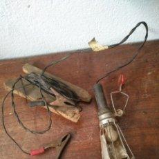 Vintage: ANTIGUA LAMPARA PORTATIL LUZ PARA COCHE Y TALLER HERRAMIENTAS. Lote 177808424