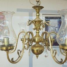 Vintage: INCREIBLE LAMPARA DE SEIS BRAZOS DE LATÓN Y TULIPAS DE CRISTAL EN UN MAGNIFICO ESTADO.. Lote 182268623