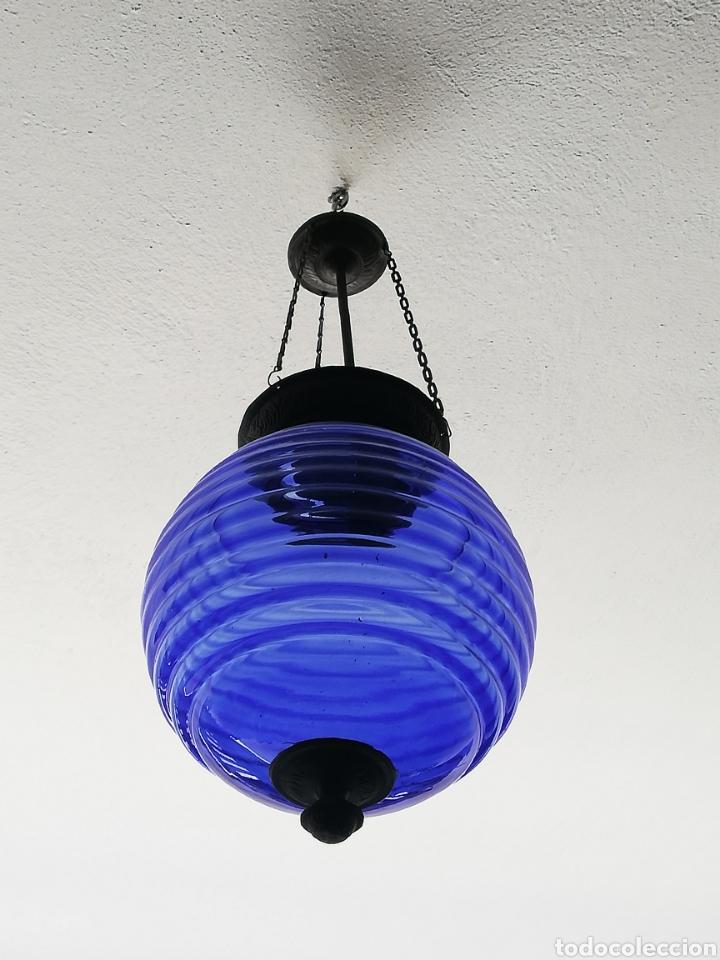 Vintage: Bonita lampara con gran bola de techo estilo modernista en bronce y cristal - Foto 2 - 182589953