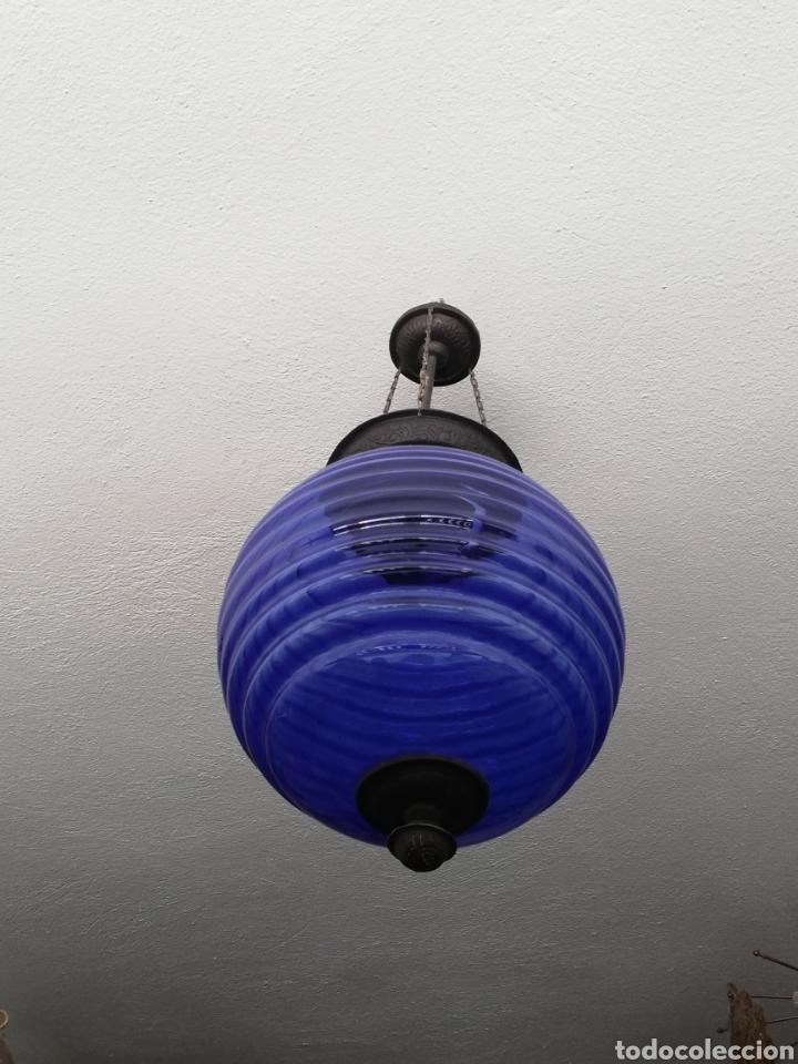 Vintage: Bonita lampara con gran bola de techo estilo modernista en bronce y cristal - Foto 5 - 182589953