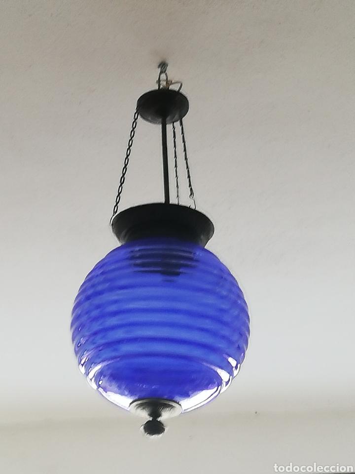 Vintage: Bonita lampara con gran bola de techo estilo modernista en bronce y cristal - Foto 9 - 182589953
