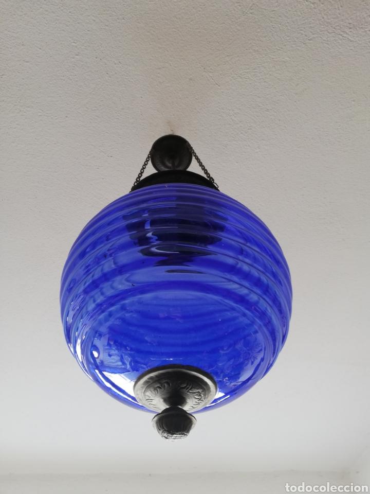 Vintage: Bonita lampara con gran bola de techo estilo modernista en bronce y cristal - Foto 3 - 182589953