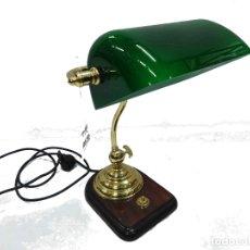 Vintage: LAMPARA DE PIE VINTAGE MADERA CON TULIPA VERDE DISEÑO AÑOS 80. Lote 182737641